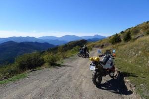 Moto Trail Cerdanya Pirineo autoguiada